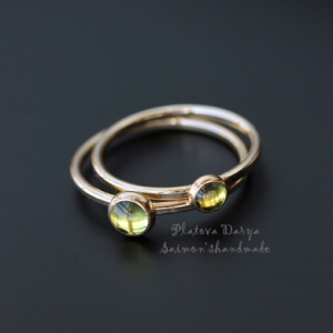 "Кольцо ""Peridot green in gold"""