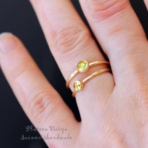 "Кольцо ""Peridot green in gold"""