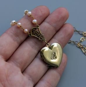 "Открывающийся именной улон ""Crowned heart"""