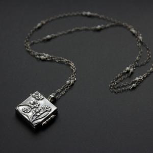 """Открывающийся серебряный медальон """"Spring glade"""""""